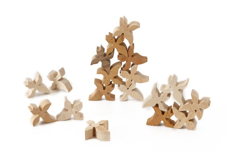 創造力を養う組み木クリオネ